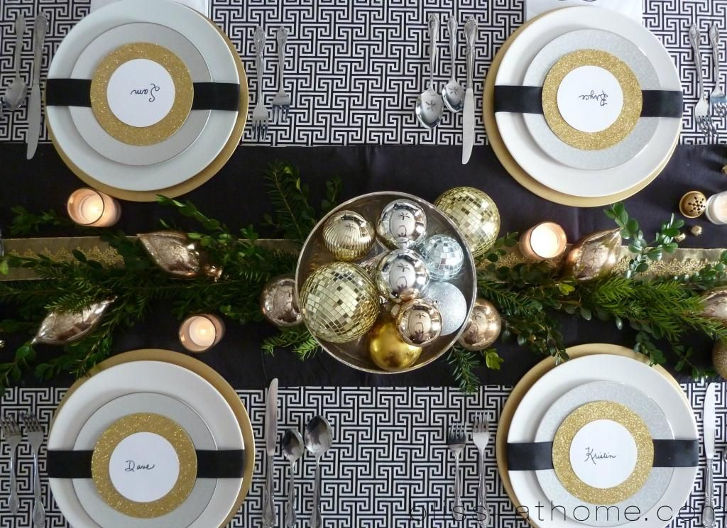 It S Time Link Up Your Holiday Tablescapes B H Gold Christmas Decorations Holiday Tablescapes Christmas Table