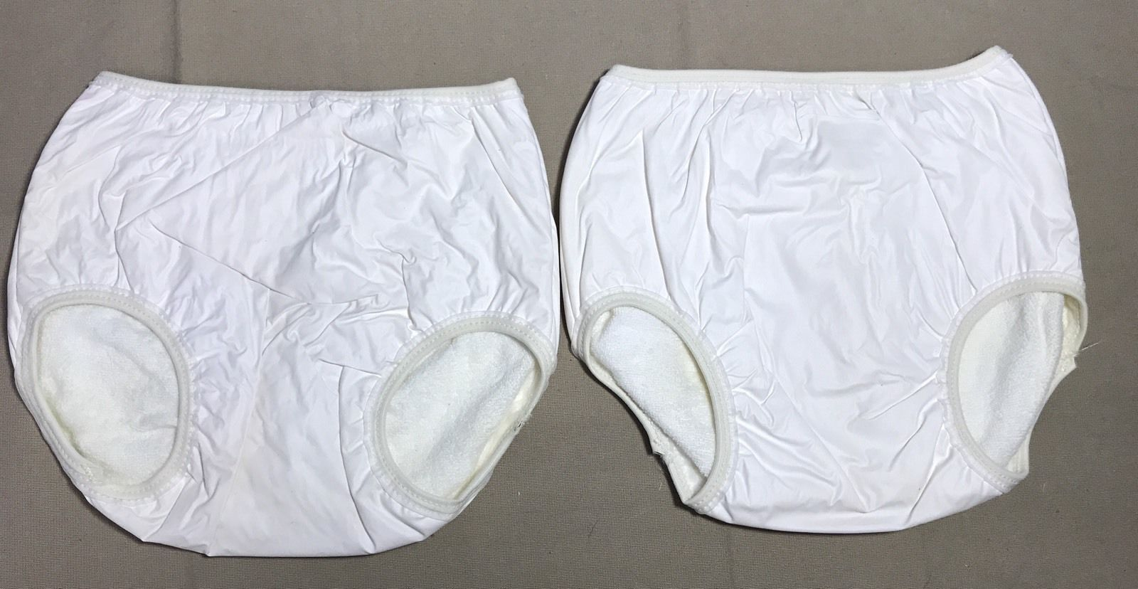 d8c7de387744 Old-fashioned all-in-one training pants! Rubber pants with terry towel  lining