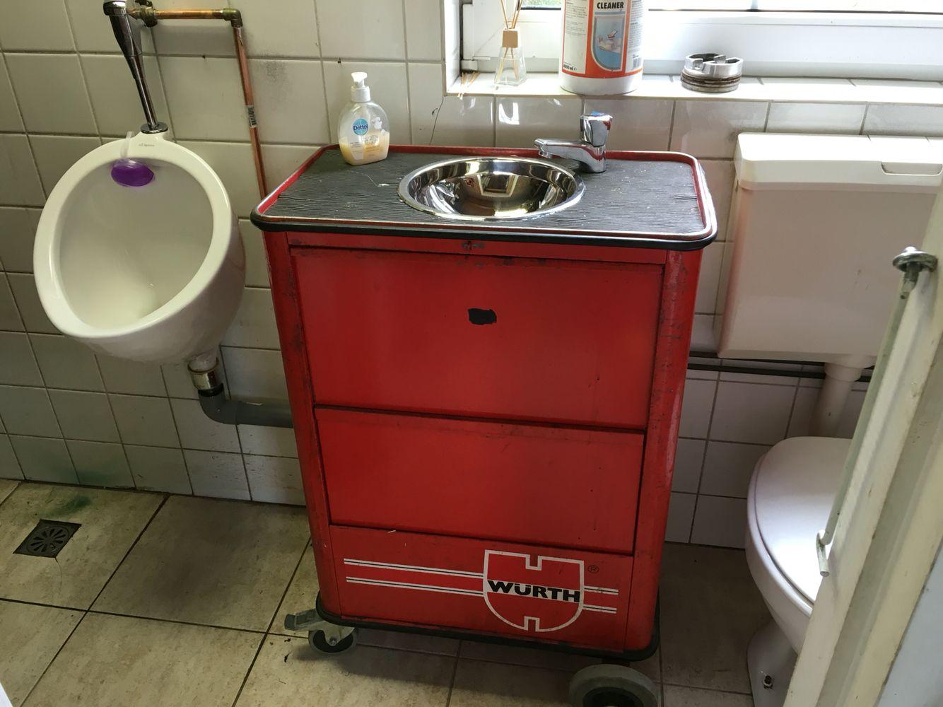 W Rth Toolbox Sink For My Mancave Diy Pinterest Master Bath Bath En Diy
