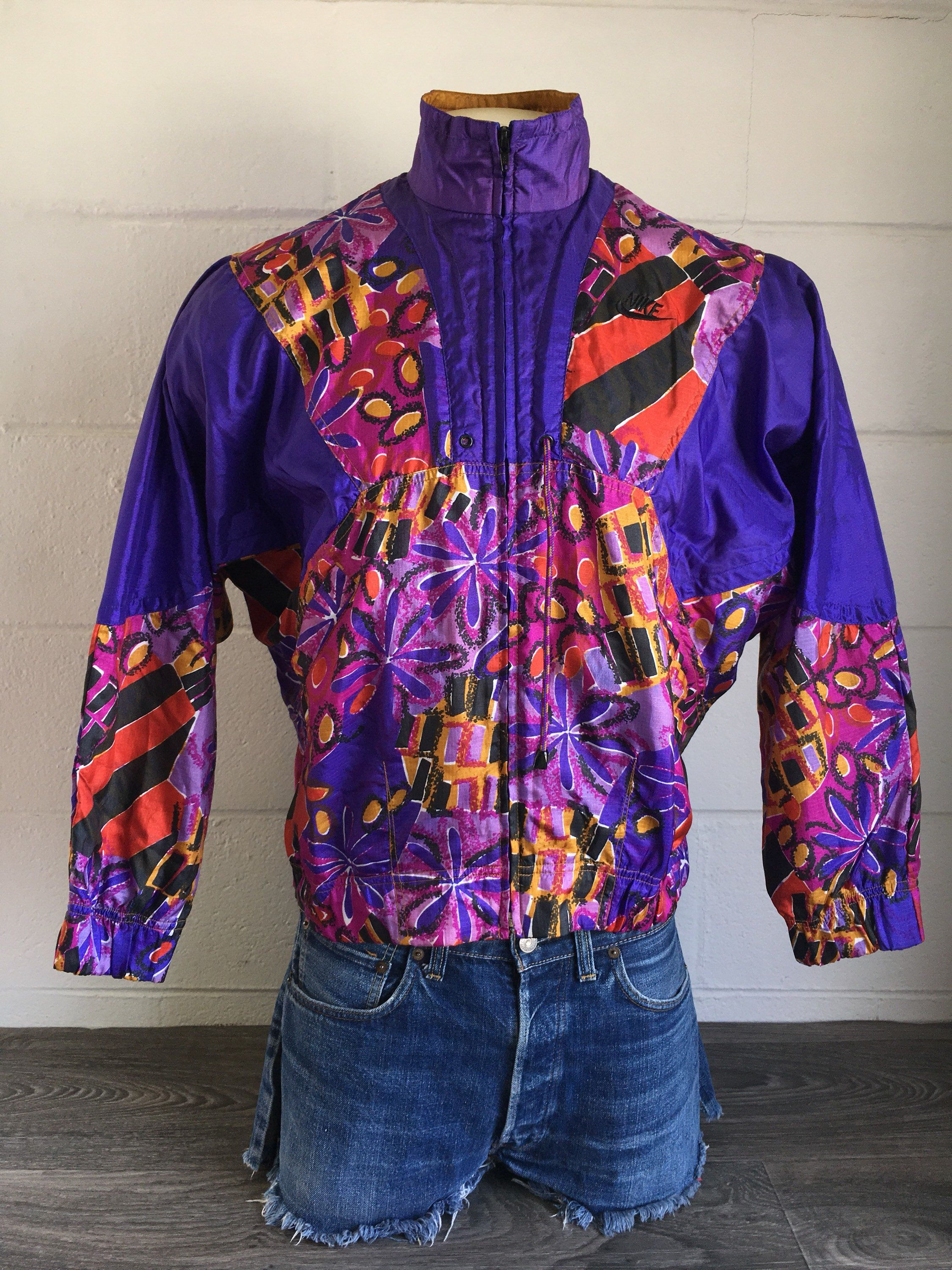 82e2f72d9d84 NIKE ELITE Windbreaker Jacket 90 s Vintage  Fresh Prince Hip Hop Full Zip  Track Batwing Style Sleeves  Multi Color Abstract AMAZING!