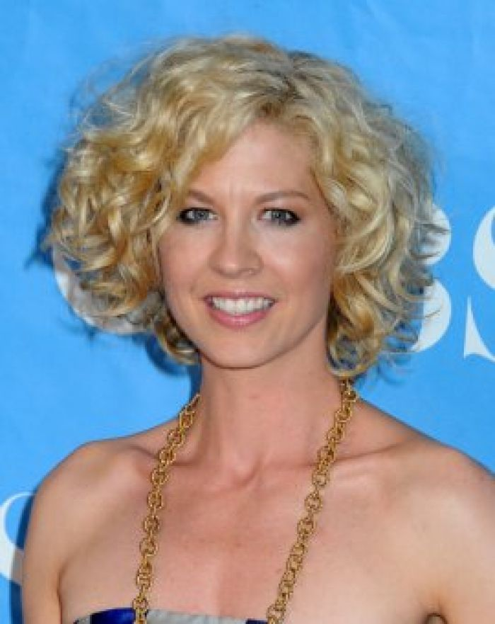 Curly Bob Hairstyles Layered Haircutjenna Elfman Short Hairstyle