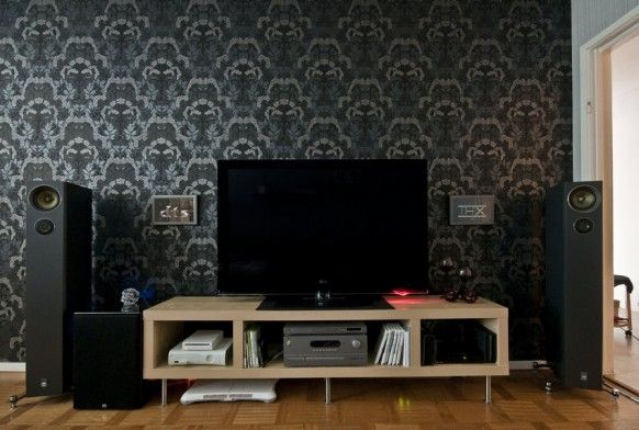 Living RoomLiving Room Tv Setup Design Idea Using Wallpaper For The Wall And Flat