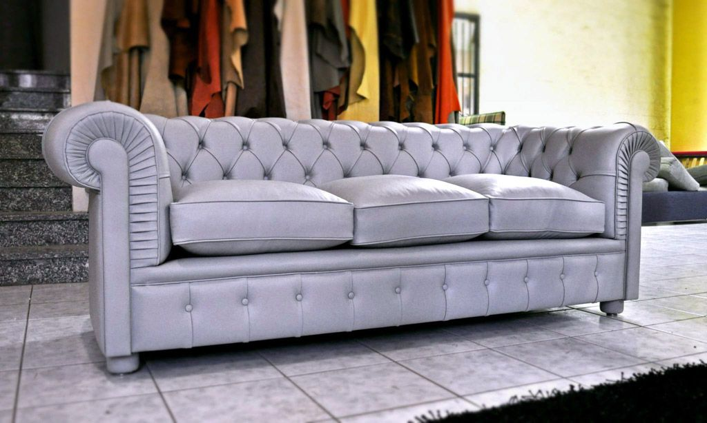 Chesterfield Divano ~ Divano classico chesterfield in pelle grigio perla con