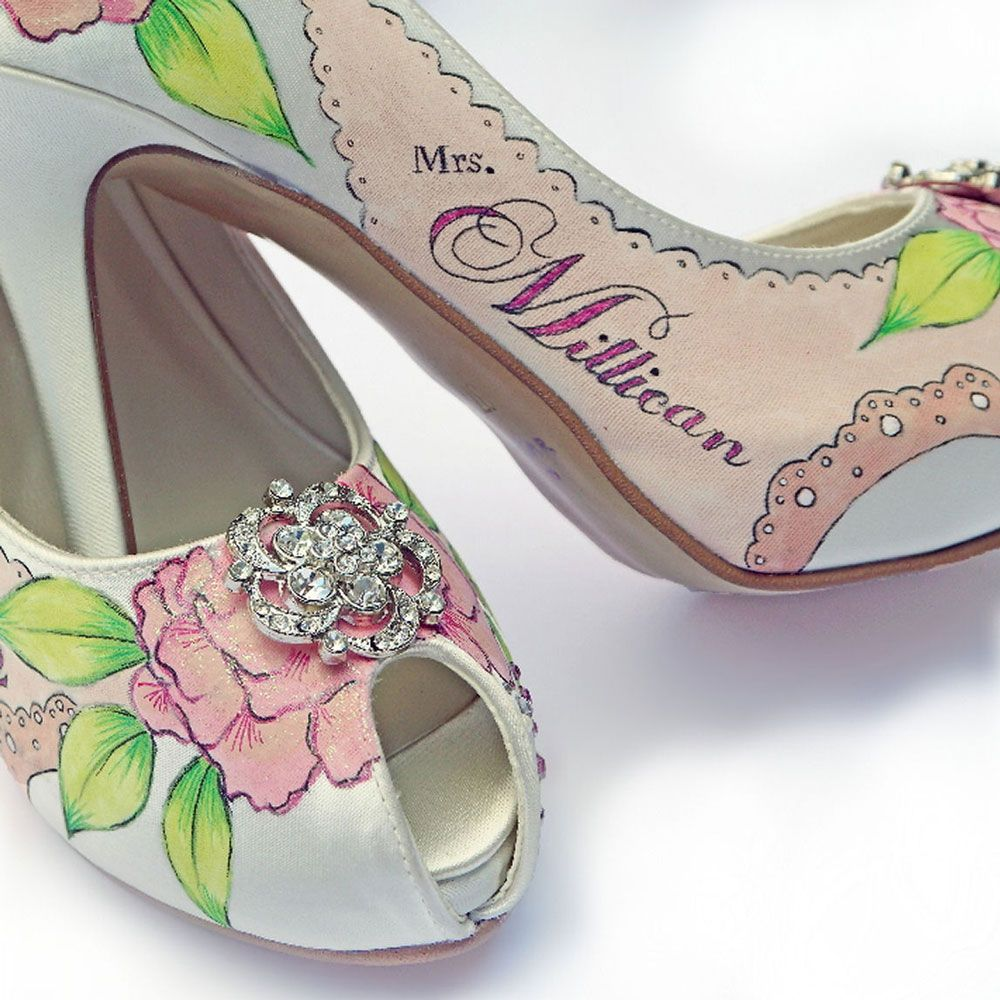 12 Unusual Wedding Shoes For Your Day