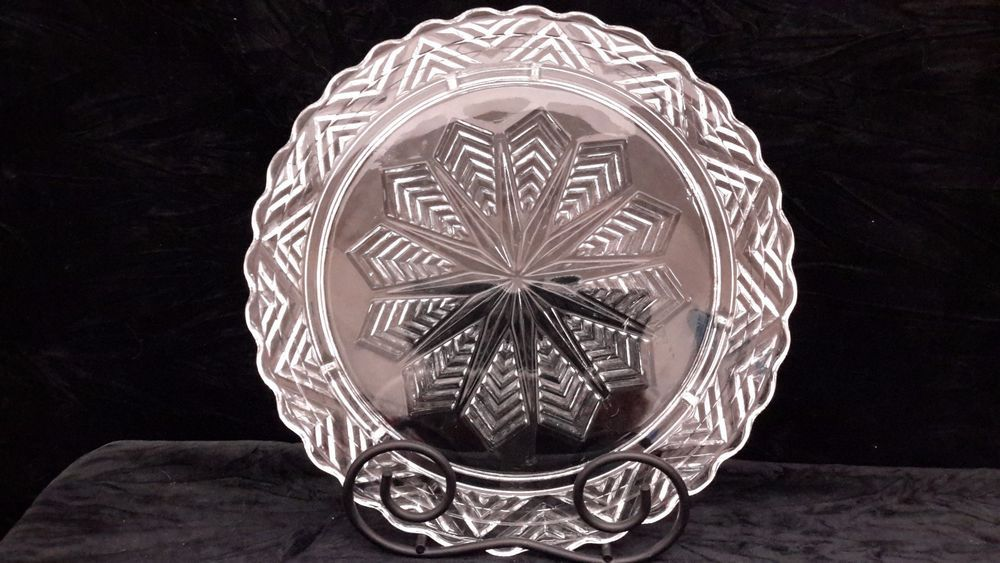 Vintage Glass Footed Cake Plate with Sunburst/Star/Snowflake in center