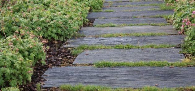 Aménagement du0027allée de jardin en ardoise Entreprise Esnault Jardin