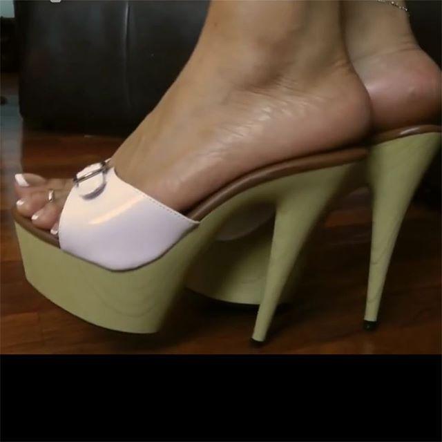mules#toes#platform #heels #heels