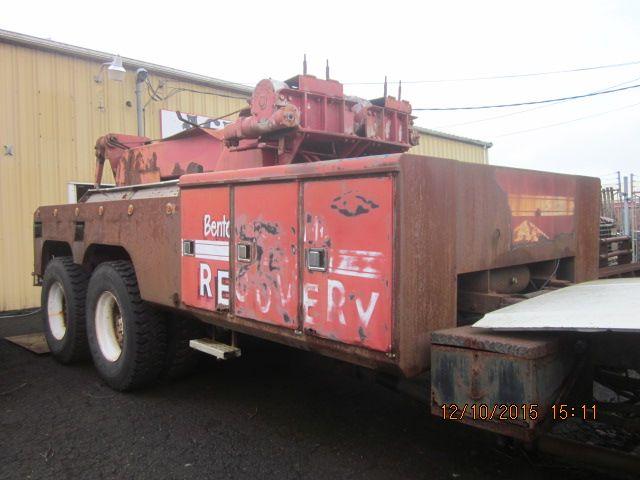 Equipment Listings - Pre 2000 • Challenger 8801 45 Ton wrecker SOLD