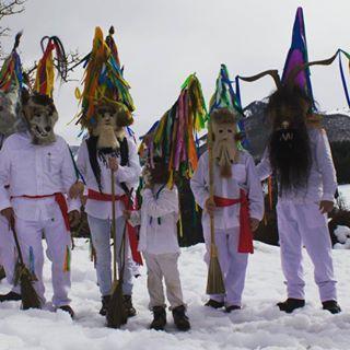 Los Zamarrones de Piasca. Mascarada de invierno que se celebra cada febrero en…
