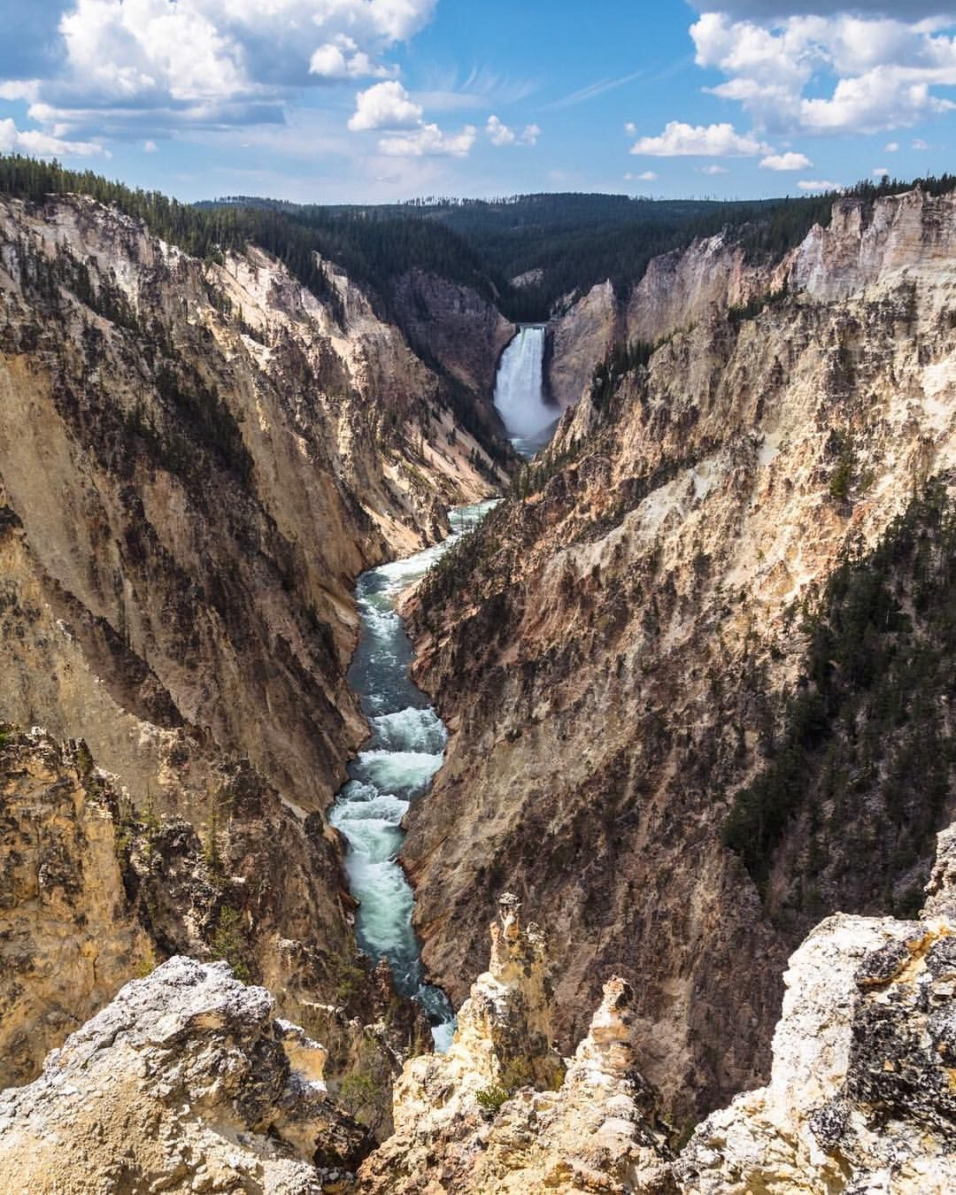 35.7k Likes, 186 Comments Yellowstone National Park