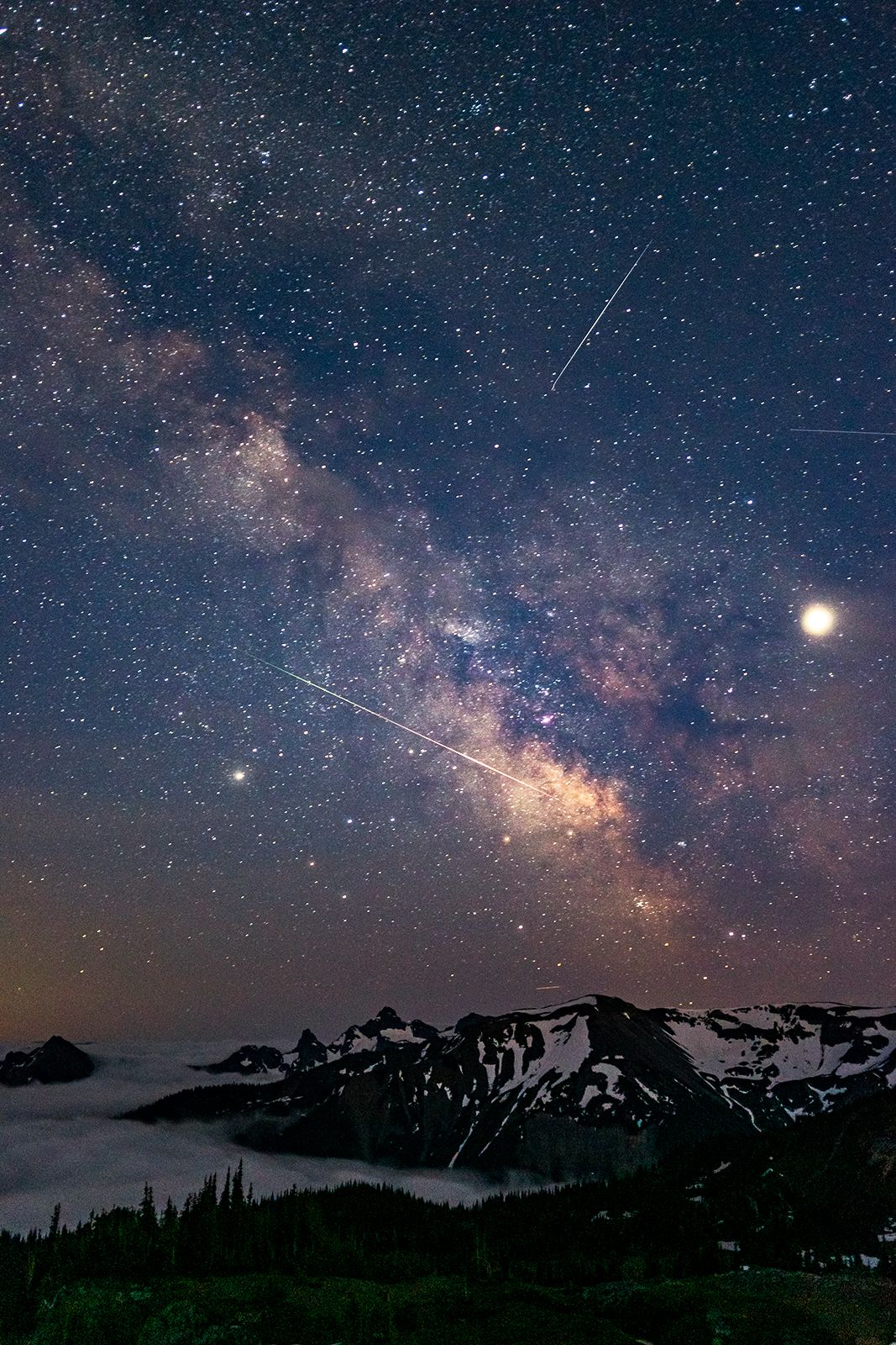 Milky Way Jupiter Saturn A Few Shooting Stars And The Cascade Mountains Last Night 1060x1600 Milky Way Images Milky Way Photography Milky Way