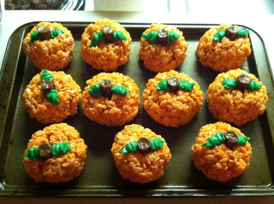 Brilliant!!! Rice Krispy pumpkins!! Soo doing this next year!!