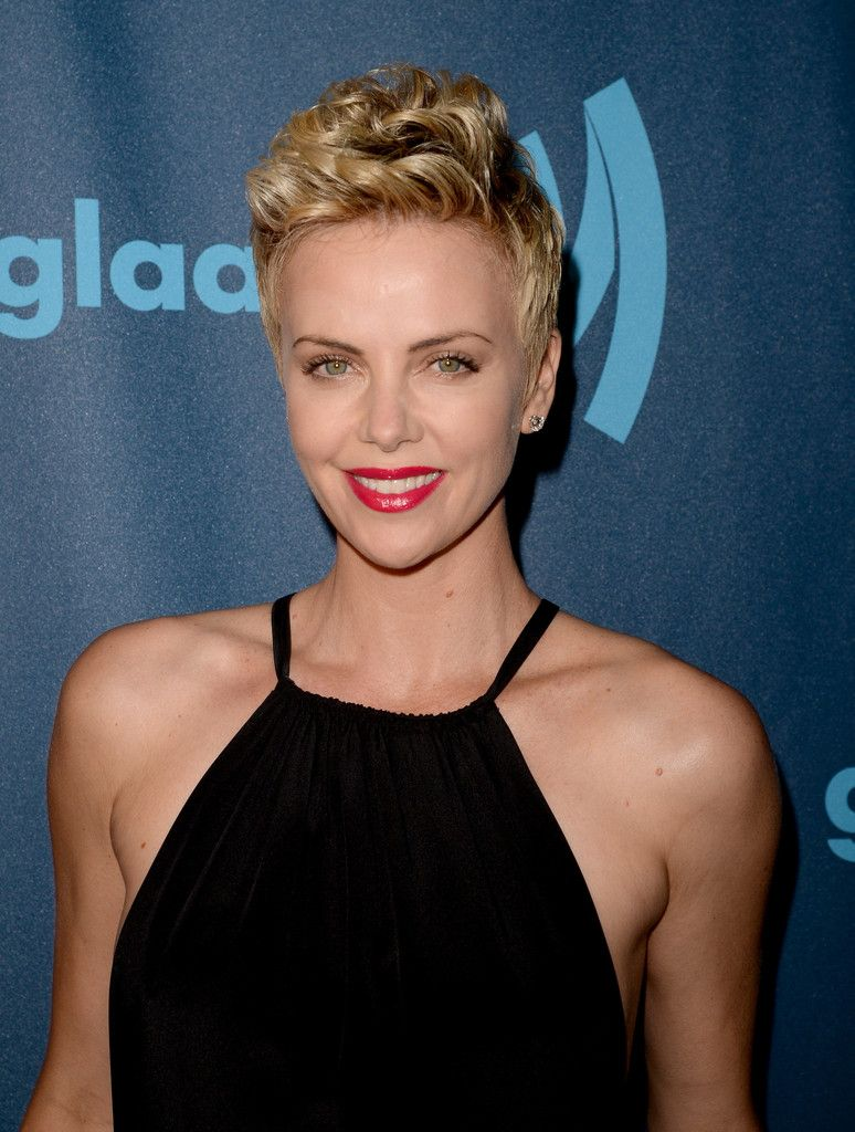 Charlize Theron Short Hair Style charlize theron short hair 2013 charlize theron short hair 6235 by wearticles.com