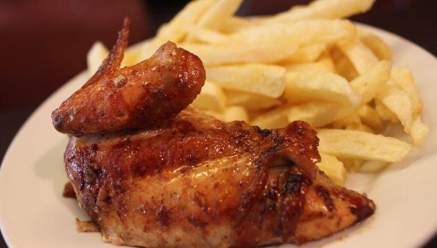 Que estas comiendo? Hormonas, grasa saturada, sal, azucar, transgenicos, almidon. Comida muerta