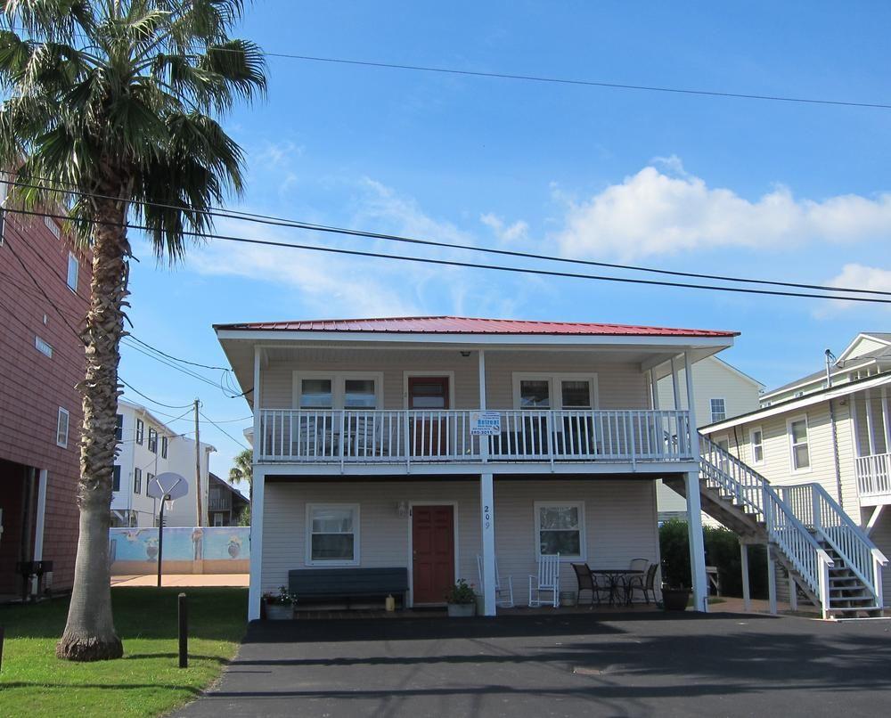 Retreat Myrtle Beach Property Robinson Family 1 Myrtle Beach Vacation Rentals North Myrtle Beach Vacation Rentals Beach Properties