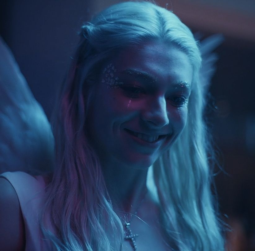 winterswake:Hunter Schafer as Jules Vaughn in EUPHORIA #