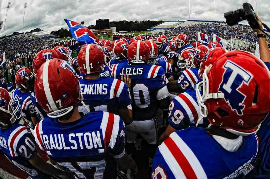 Here comes the Dawgs! Louisiana tech, Tech football