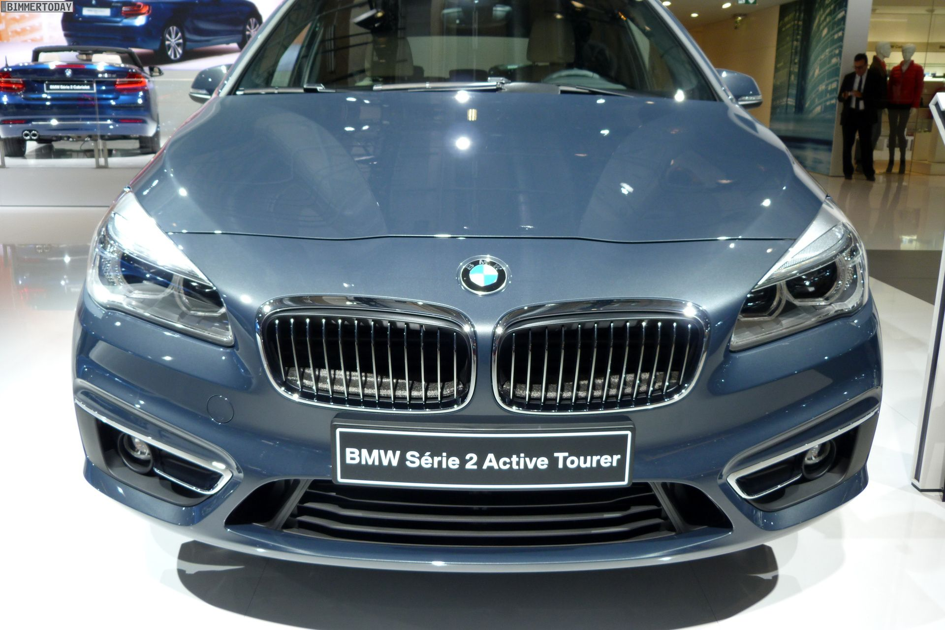 2014 bmw 2er active tourer f45 220d xdrive atlantikgrau paris autosalon live 16 bmw. Black Bedroom Furniture Sets. Home Design Ideas