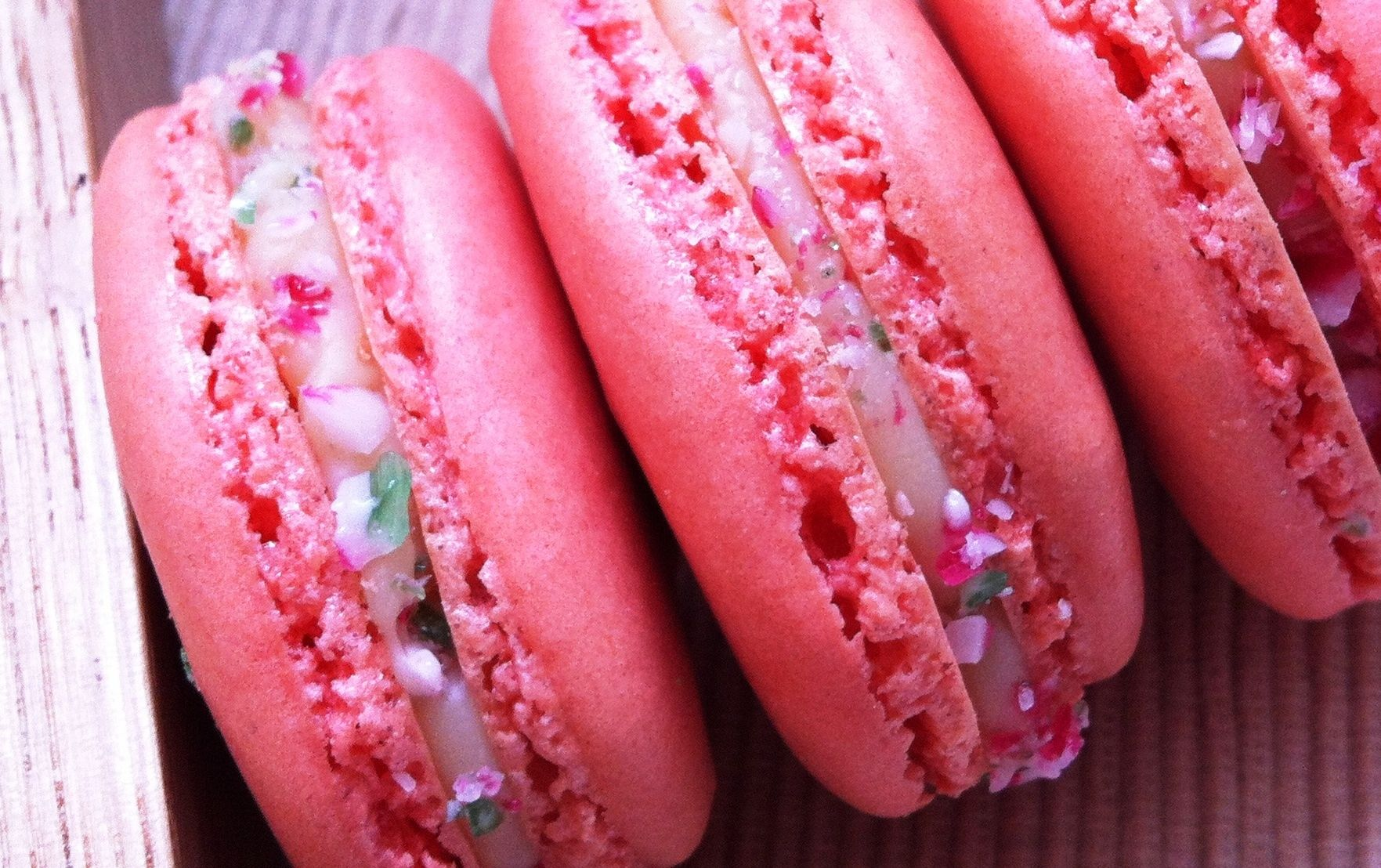 White Chocolate Peppermint Candy Cane Macarons Chocolate Peppermint Peppermint Candy Cane Macarons