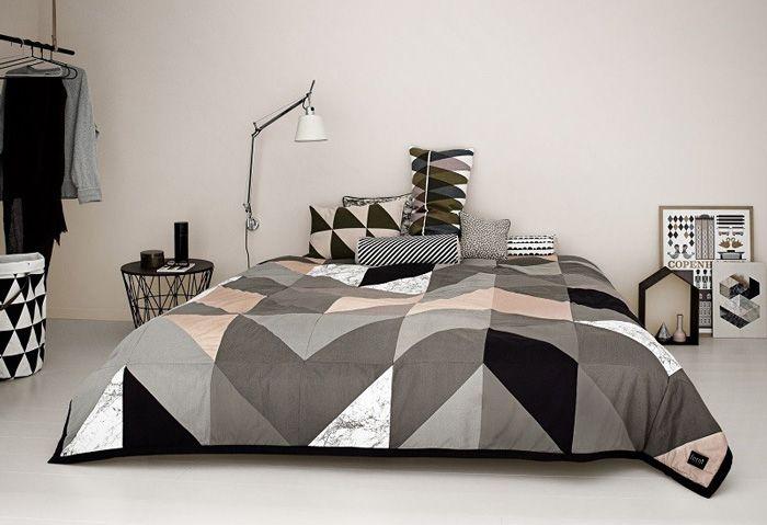 tendance carreaux ciment linge de lit esprit g om trique. Black Bedroom Furniture Sets. Home Design Ideas