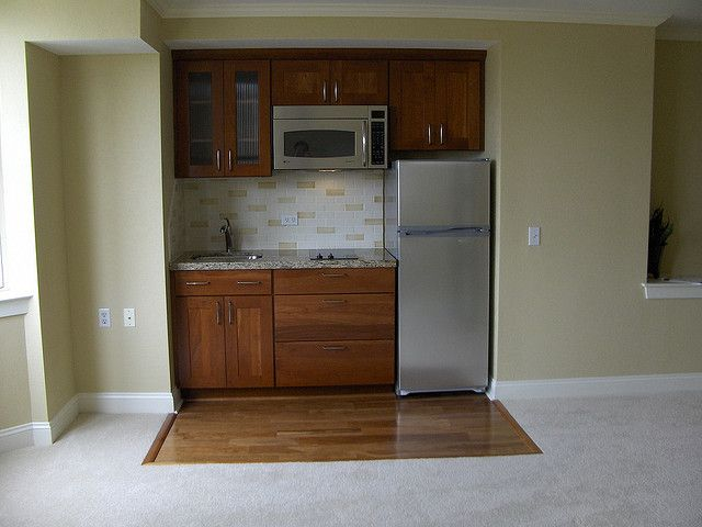 Kitchenette   Replace One Large Drawer With A Dishwasher. Rangehood Under  The Microwave?