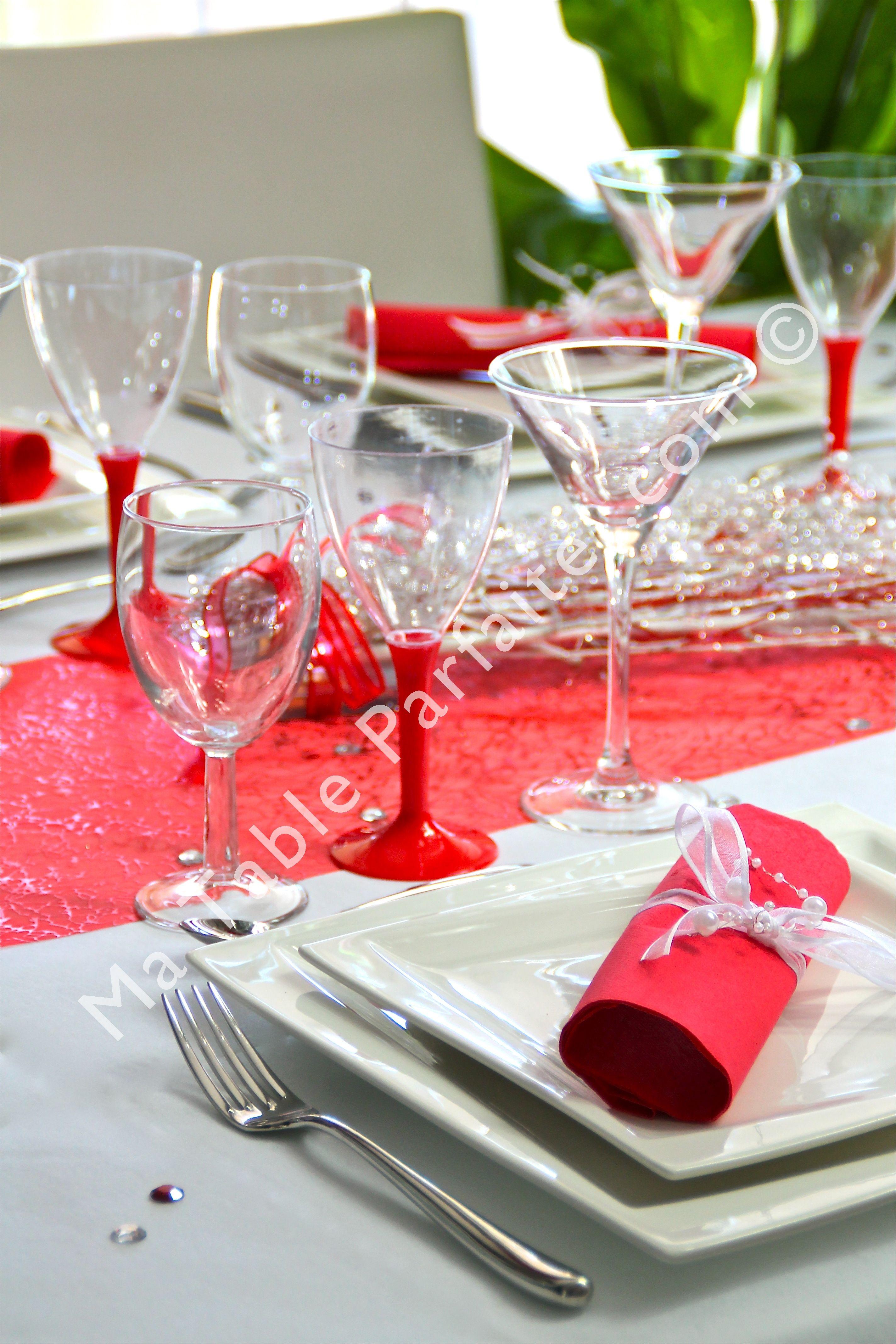 Matableparfaite.com #décoration de #table prête-à-poser Rouge ...