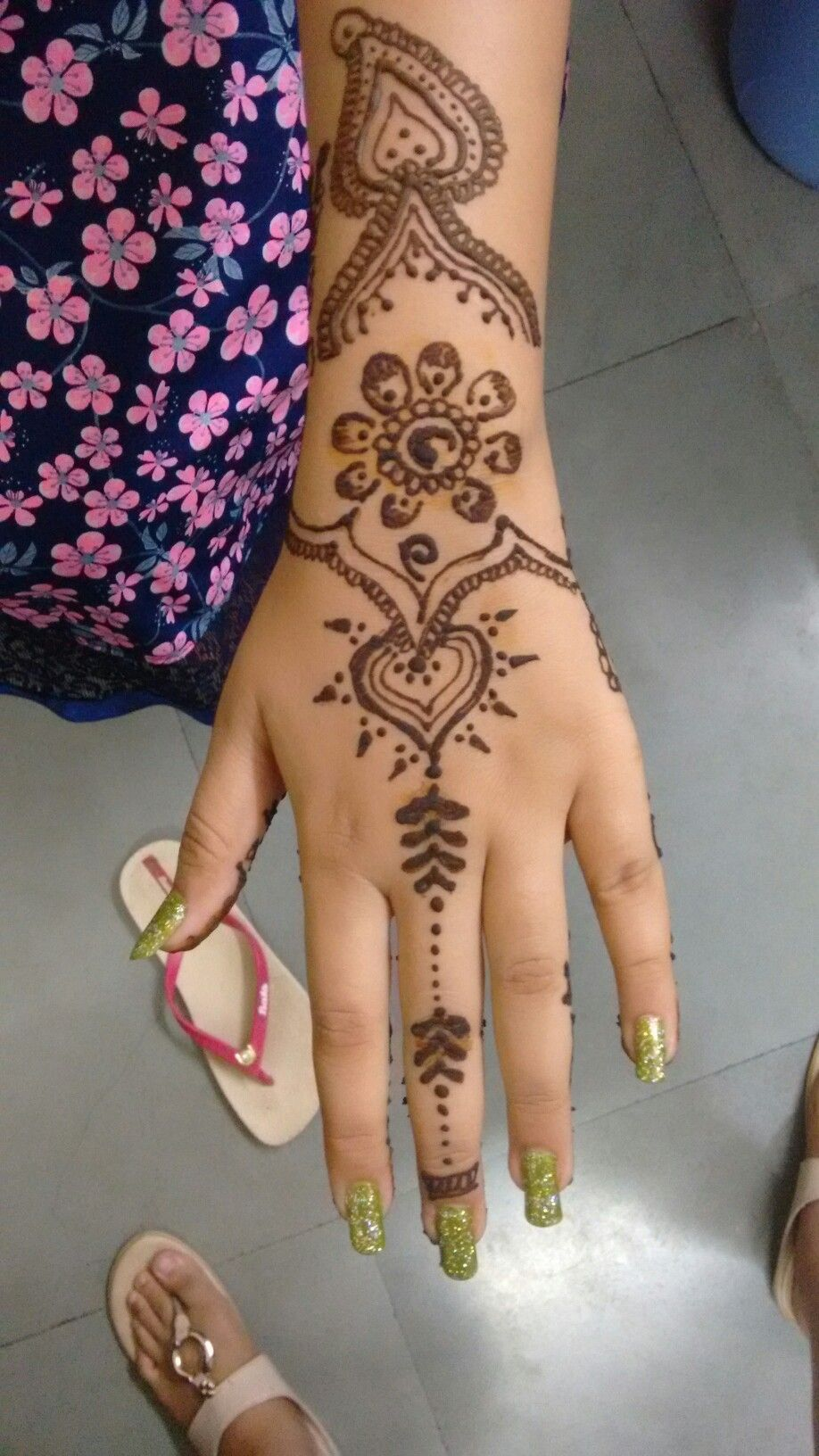 Henna Easy designs for sweet younger girls fotos