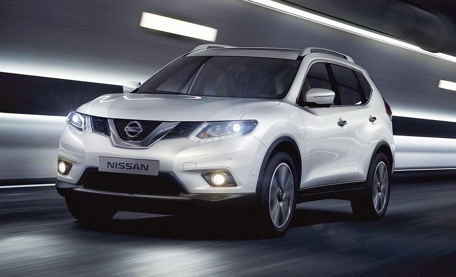 India Bound Next Generation Nissan X Trail Unpacked At Giias 2015 Nissan Upcoming Cars Automobile