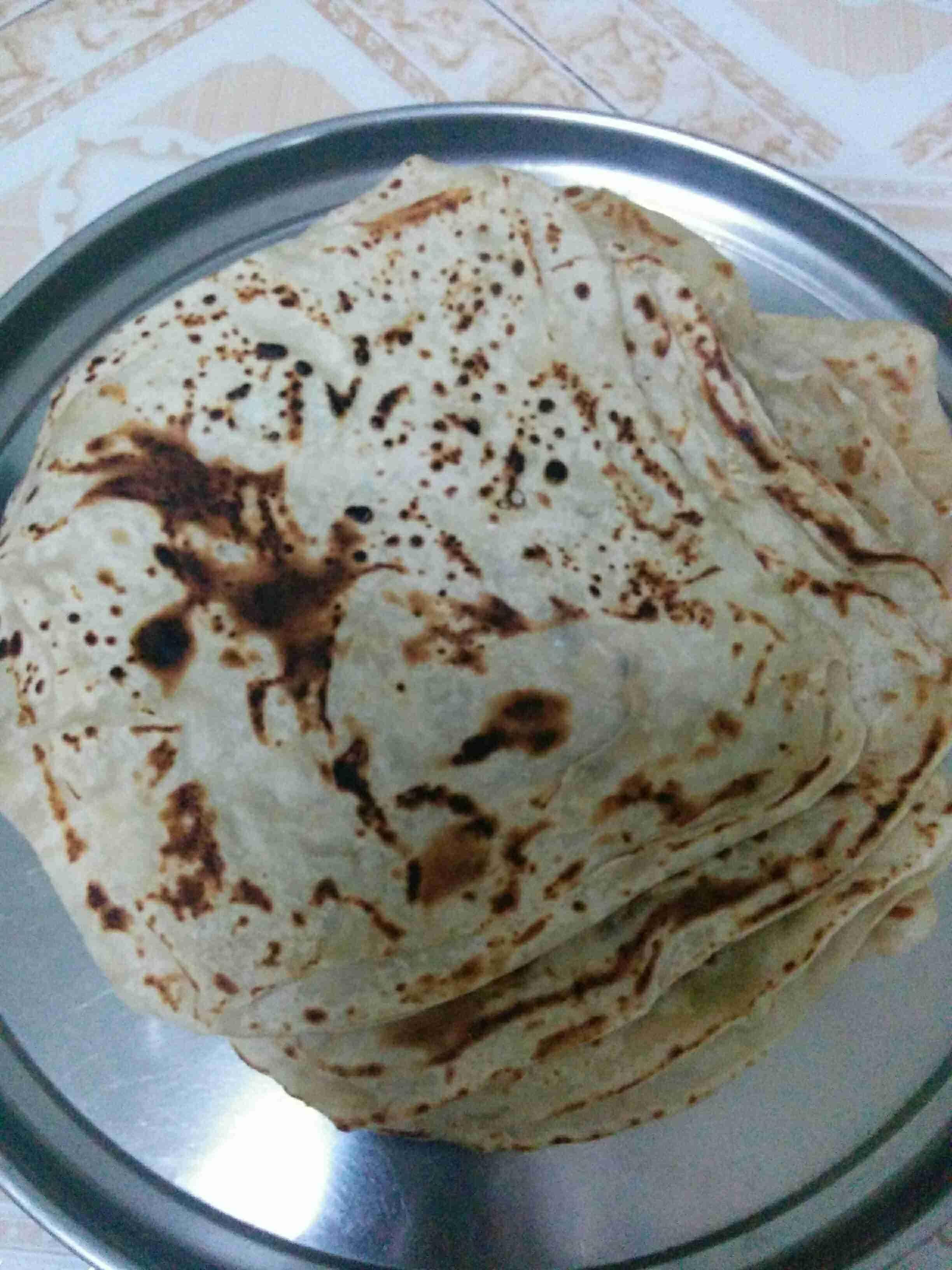 المعطف أو خبز الطاوة اليمني زاكي Sweet Pastries Food Cooking Recipes