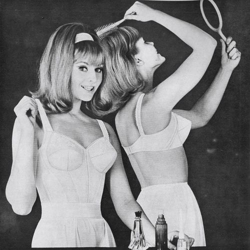 Jeanjeanie61 silhouette ad 1965 vintage fashion pinterest ropa - Ropa interior medieval ...