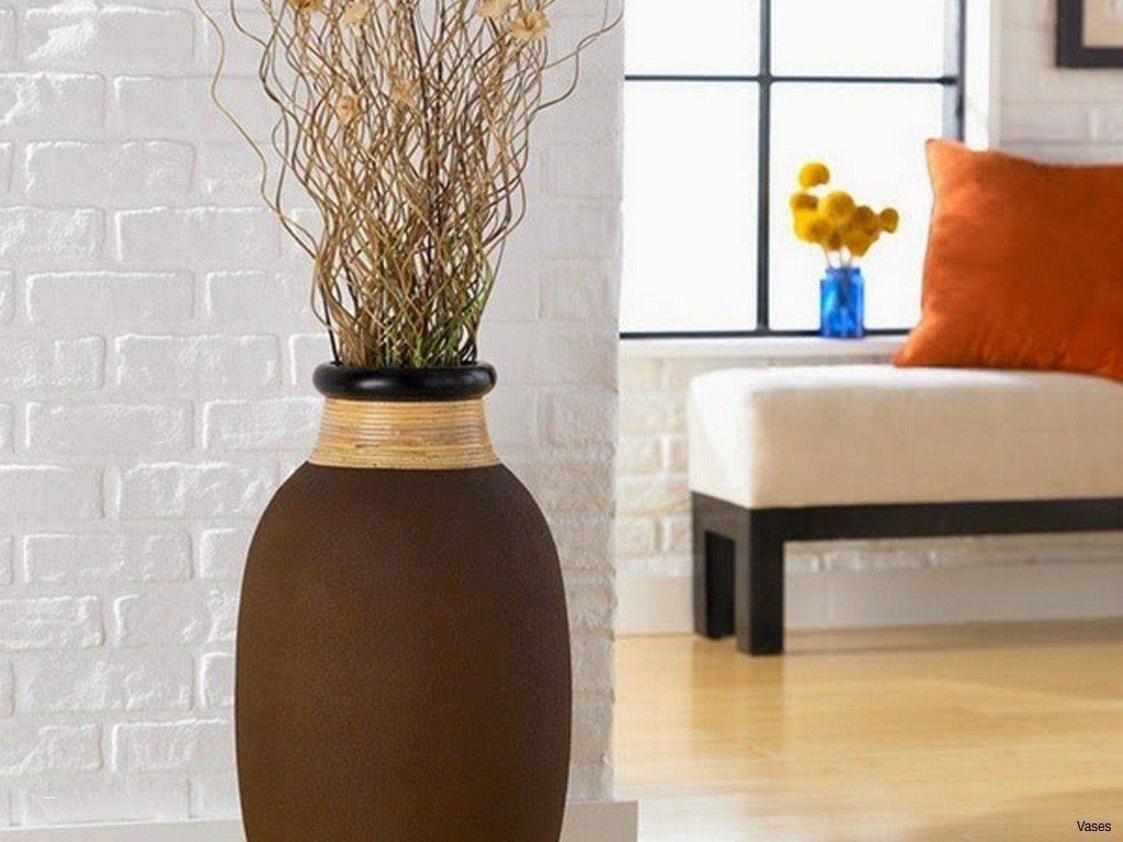 Vase Ideas For Living Room 22 Elegant Big Vase Decoration Ideas In 2020 Floor Vase Decor Vases Decor Large Flower Vases