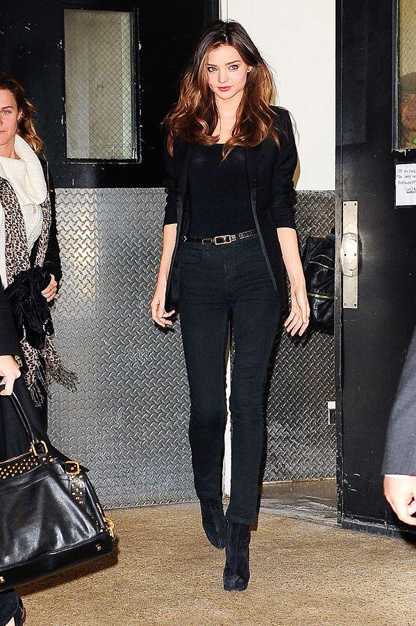 Top Los mejores looks de street style de Miranda Kerr | Total black  OV54