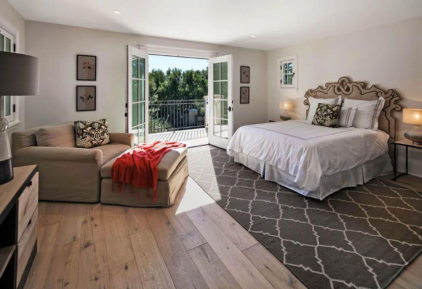 Traditional Master Bedroom With Light Color Hickory Wide Plank Flooring Master Bedroom Flooring Ideas Bedroom Flooring Options Luxurious Bedrooms
