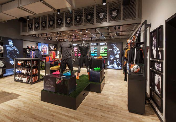 ganado parque Natural Mendigar  Nike Seattle - Jessica Davis   Store design, Nike, Design