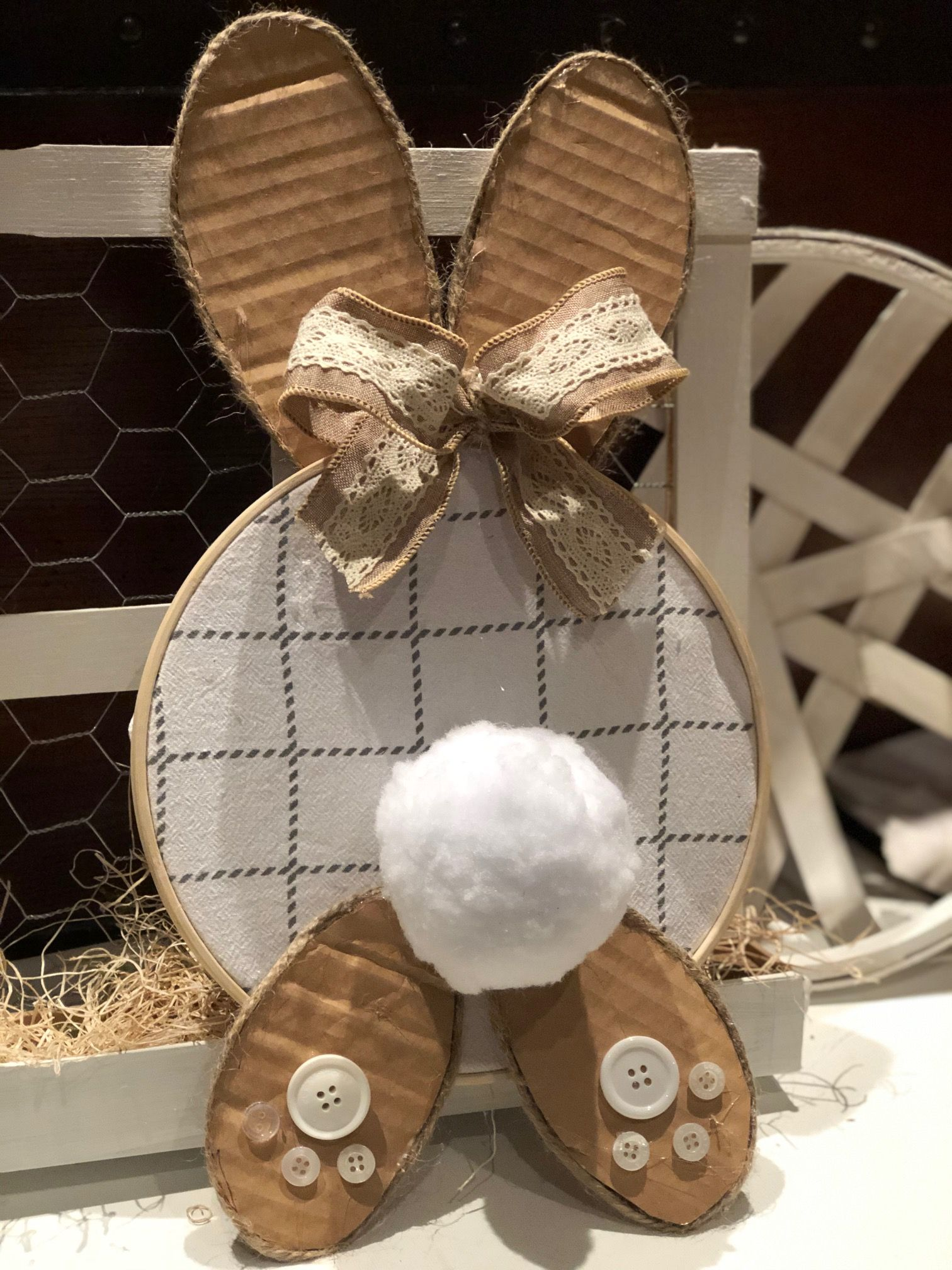Embroidery Hoop Easter Bunny DIY · Just That Perfect Piece