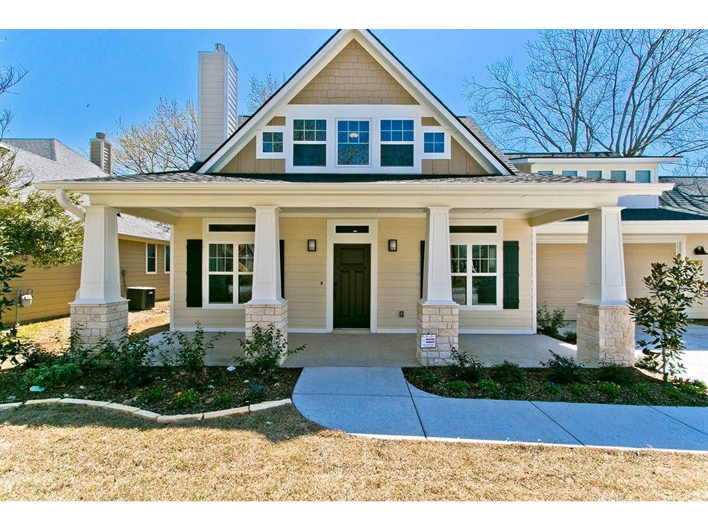 Charming Lovely Craftsman Style Home // Creamy, Yellow House With Green Front Door  And Shutters