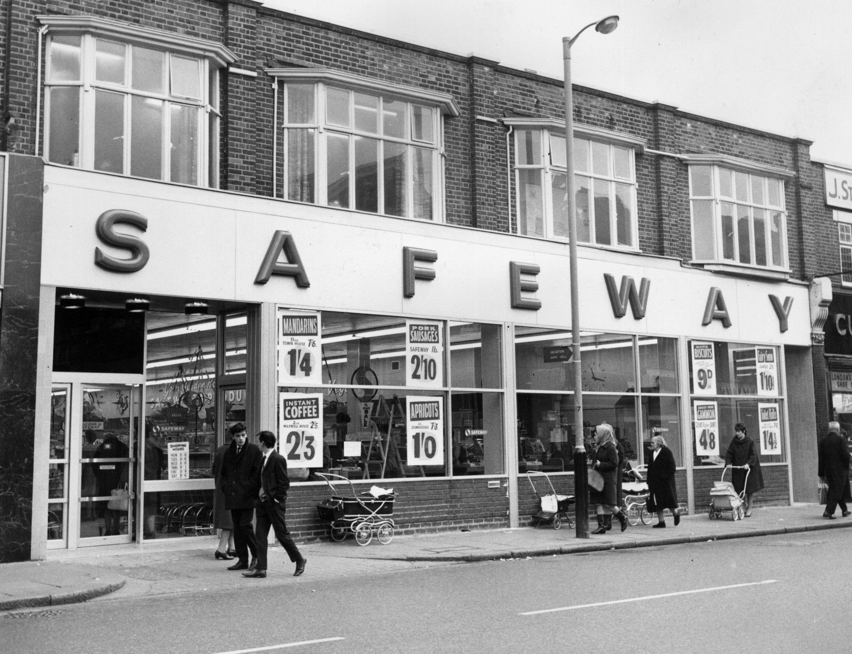 Pin By Star Man On The Past Photo Safeway Supermarket
