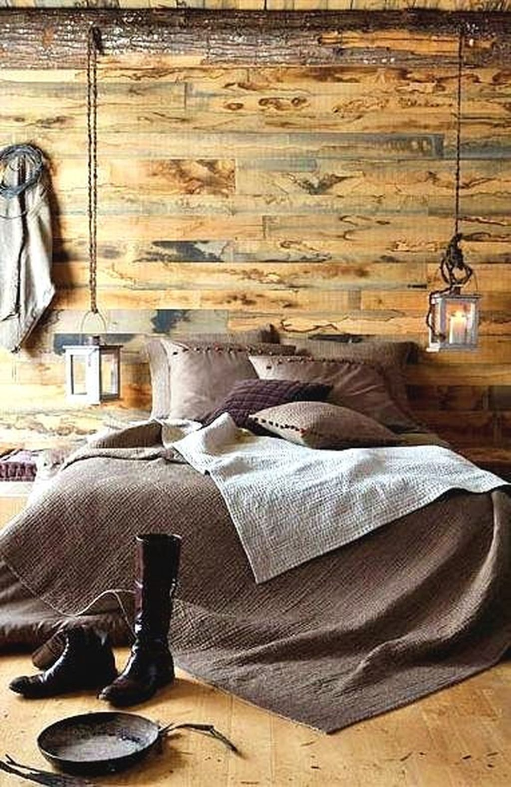 Rustic Romantic Bedroom Ideas: 36 Beautiful Romantic Industrial Bedroom Ideas