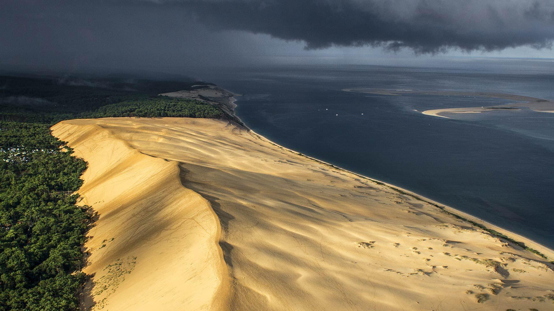 Le Bassin D Arcachon Vu Du Ciel En Helicoptere Vue Du Ciel Arcachon Bassin