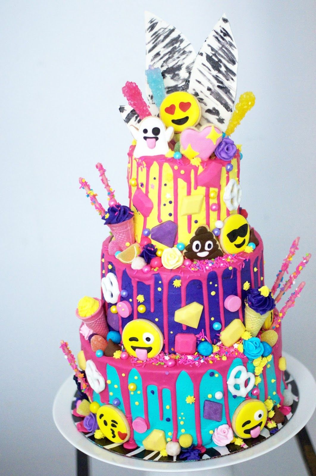 This Might Be My Favorite Build A Cake To Date The Incredible Lynzie At Love By Asked Me Make Three Tiered Giant Compl