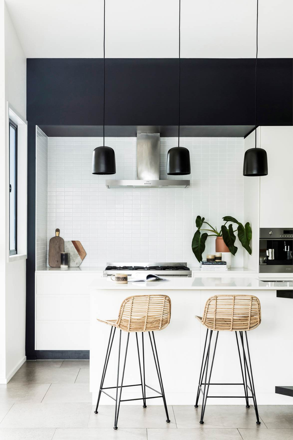 Modern coastal interior design ideas from a Byron Bay home ...