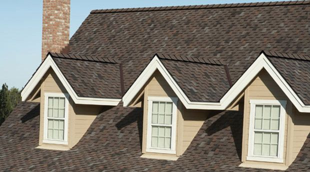 Owens Corning Woodcrest Wood Shake Look For Only A Fraction Of The Price And A Longer Expected Life Woodcrest Shingling Woodmoor