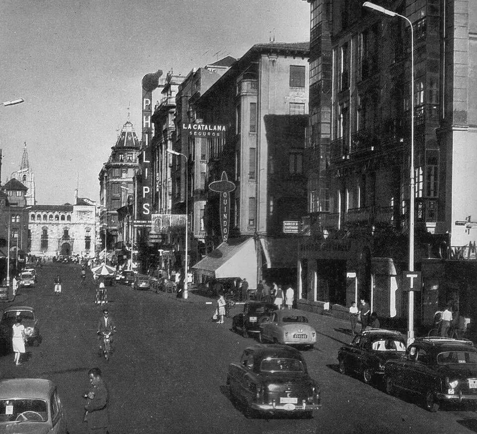 0573d1f56 Calle Ordoño II, principios de los años 60 | FOTOS DE LEÓN | Fotos ...