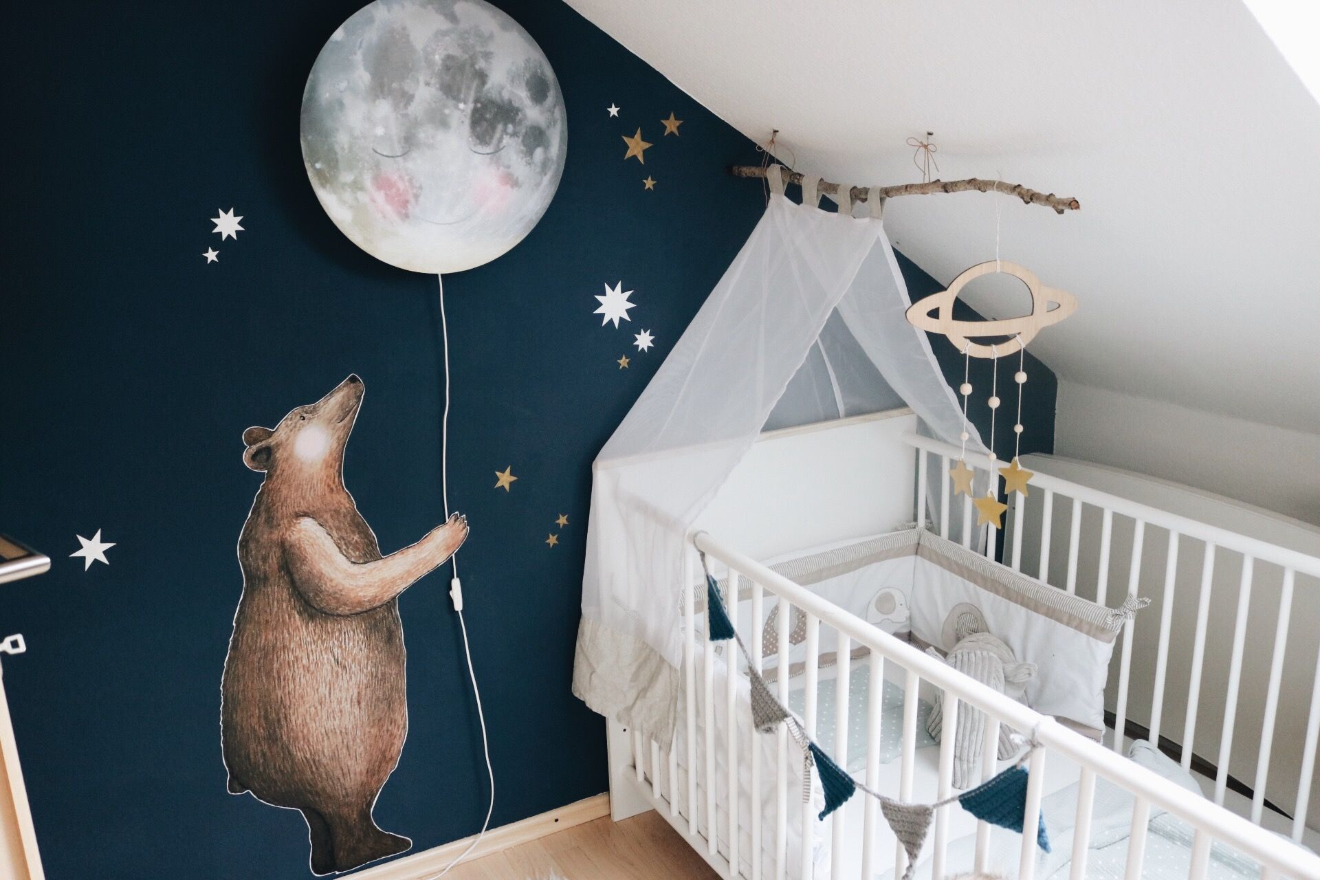 Fabelhaft Babyzimmer Wandtattoo Ideen Von Kinderzimmer Hartendief Bär Mond Mondlampe
