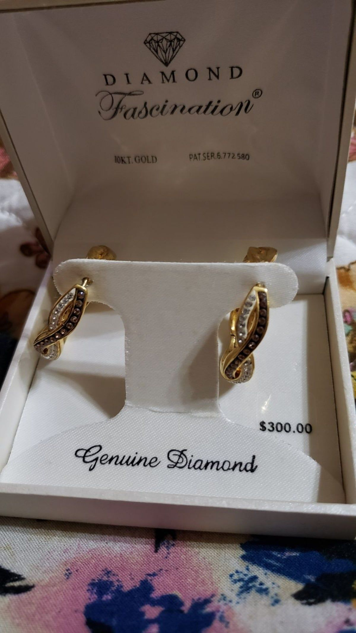 10k Gold Diamond Fascination Nwt In 2020 10kt Gold 10k Gold Gold Diamond