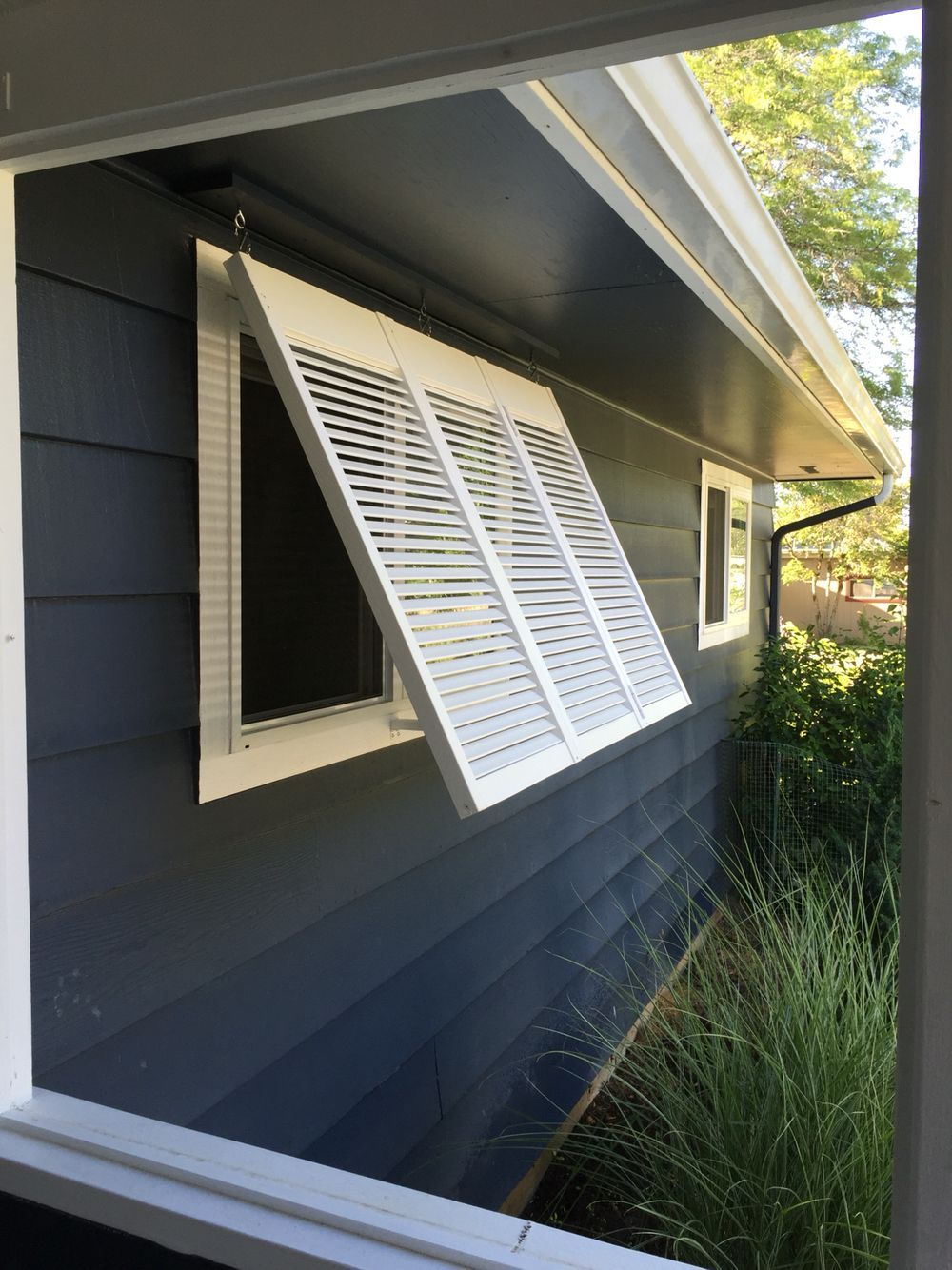 Diy removable bermuda shutter for westfacing window from