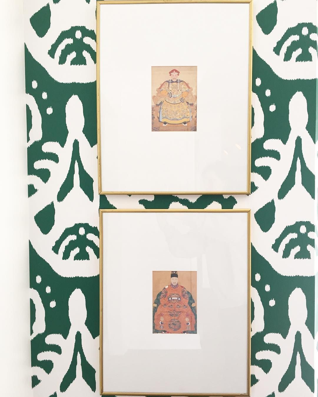 chinoiserie art, emerald green ikat wallpaper