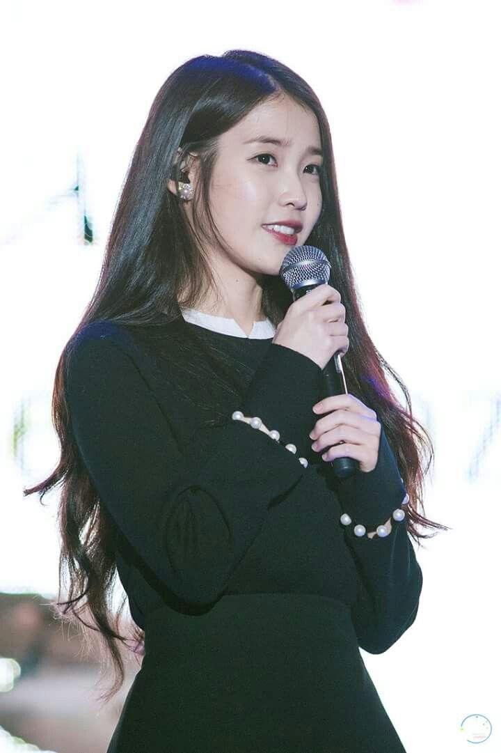 Iu 151017 Marcedn Ben Family Concert Korean Celebrities Korean Singer Actresses