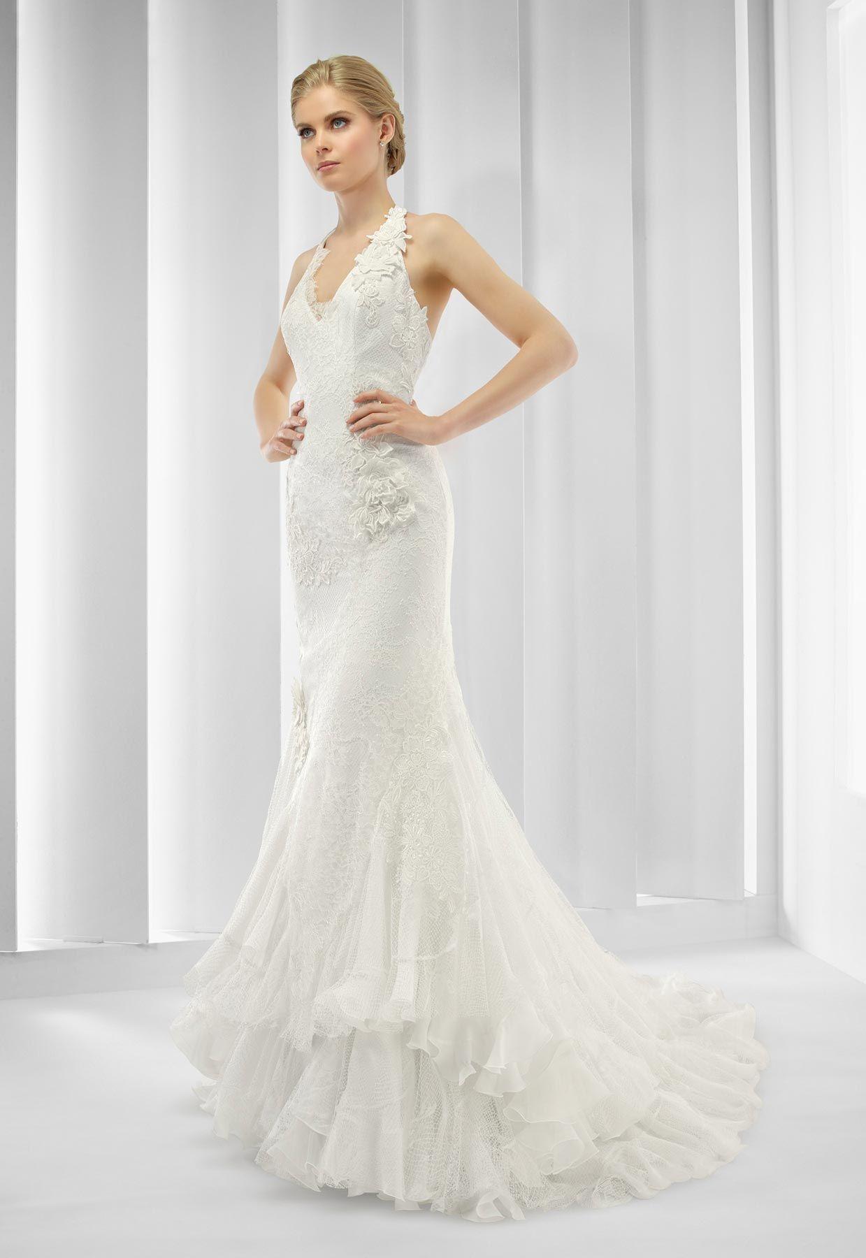 Vestido de novia Patricia Avendaño modelo 2573 en Eva Novias. #novias #patriciaavendaño #coleccion2015 #vestidosdenovia Via: http://goo.gl/BUv3YW
