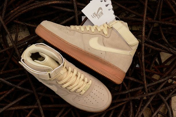 competitive price f9e8b 90fae Nike Air Force 1 High 07 LV8 Suede Muslin Gum Med Brown AA1118-100